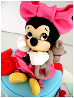 Toddler-Walt-Disney-Minnie-Daisy-birthday-cake
