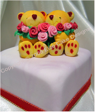 Teddies and Roses Mini Cakes Sydney
