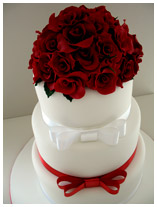 red rose bouquet wedding cake