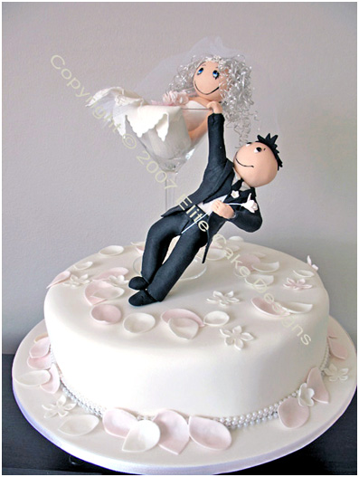Bride and Groom funky figurine weddign cake Sydney